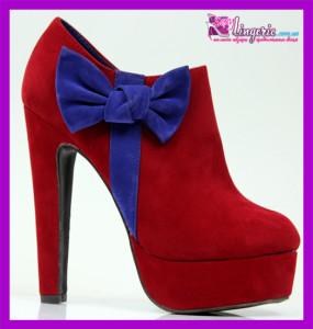 Красные туфельки из замша с синим пикантным бантиком на высоком каблучке